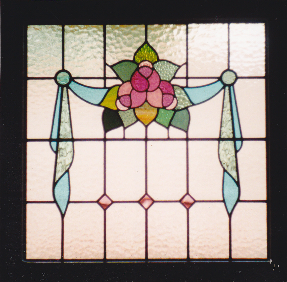 leadlighting-tutorial-lesson-1-glass-cutting-for-stained-glass-leadlights