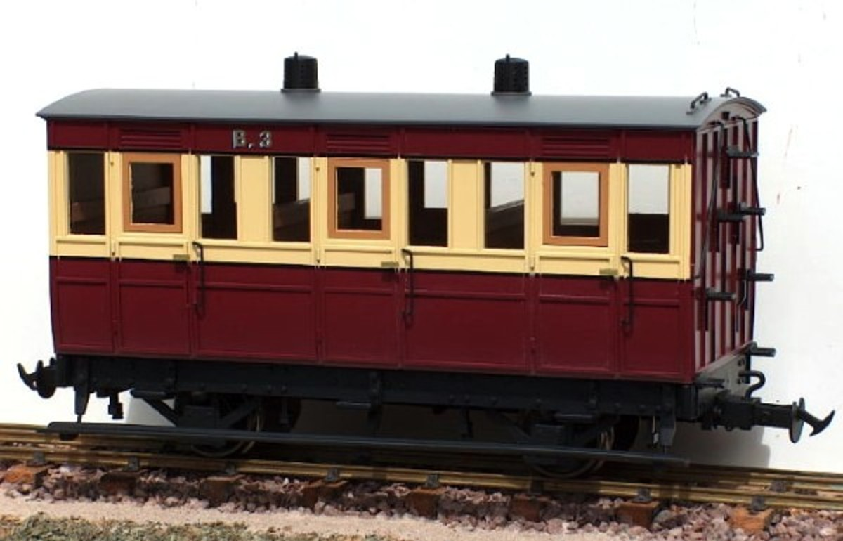 Accucraft UK Isle of Man Railway 4-wheeled carriage for G scale garden railways -  image Accucraft/TrackShack