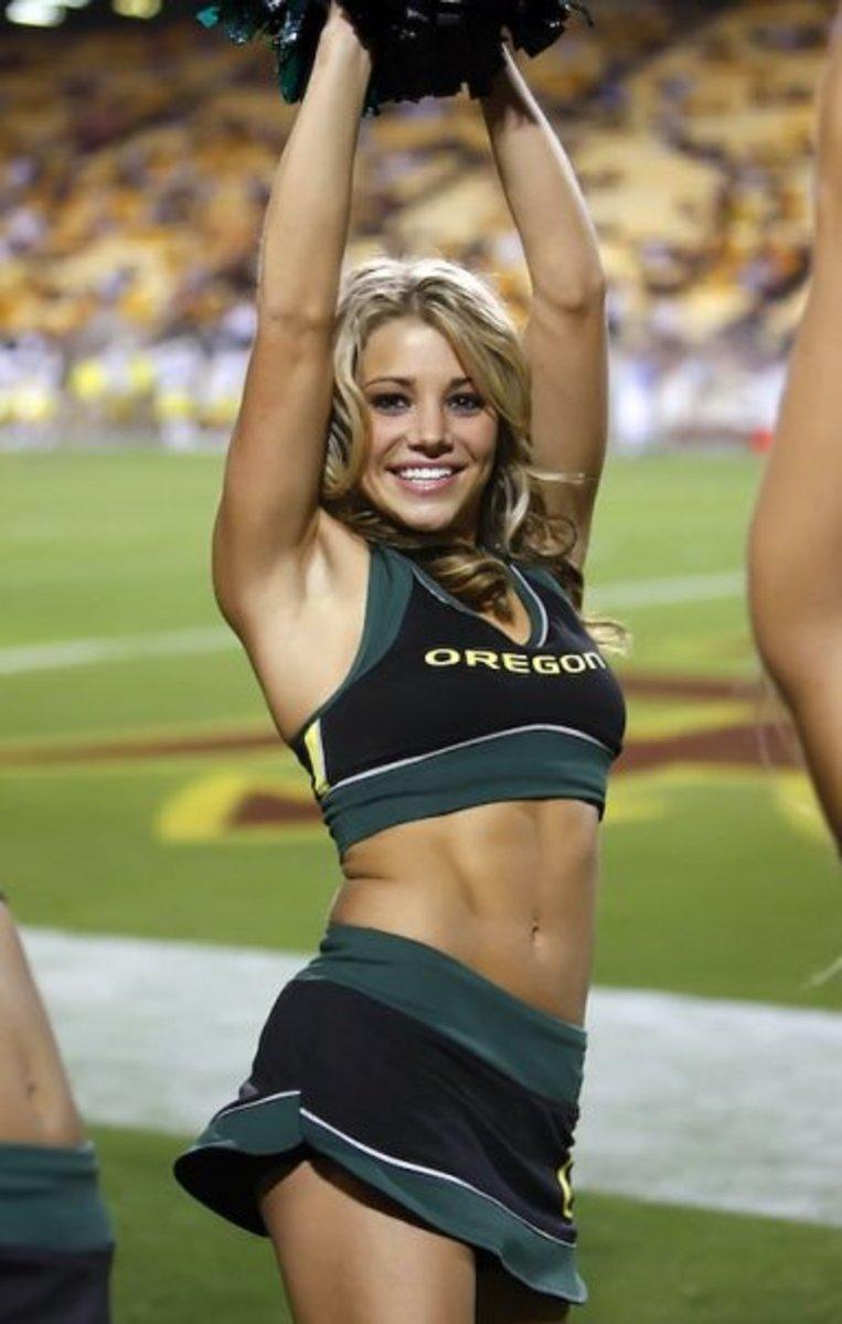 the-worst-ncaa-cheerleading-uniforms-of-2010
