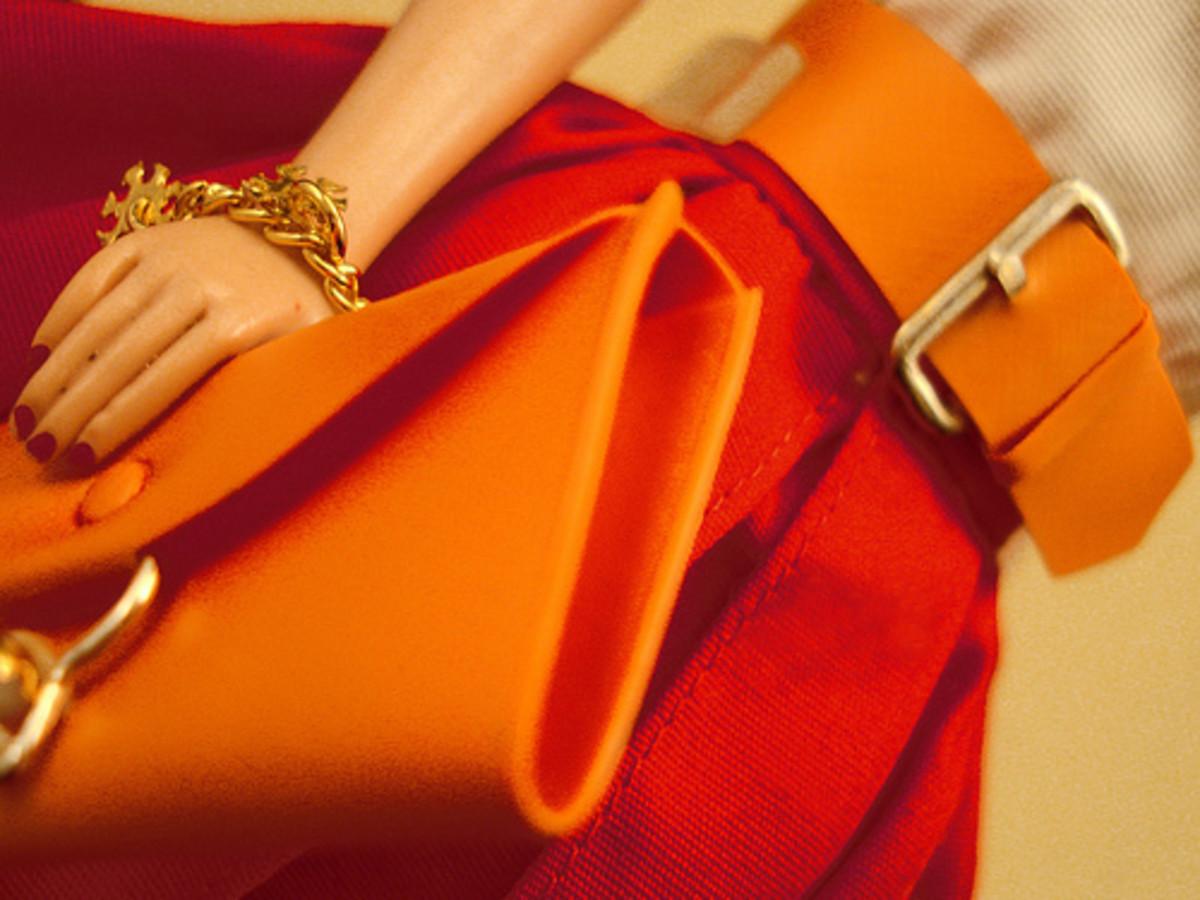 How To Care for a Vinyl Purse, Vinyl Handbag, or Vinyl Clutch