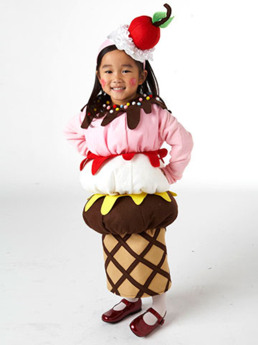 ice cream cone costume on a little girl - adorable!