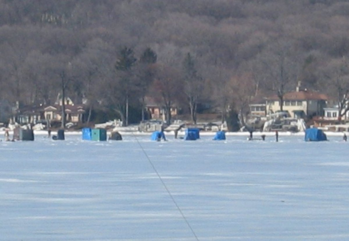 winter recreation on Geneva Lake