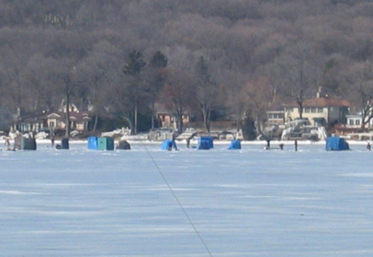 winter recreation on Geneva Lake