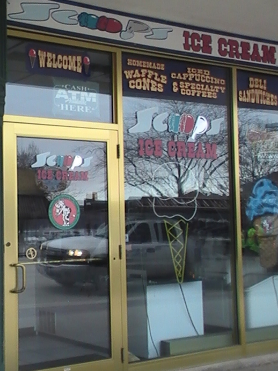 store front for ice cream Lake Geneva Wisconsin