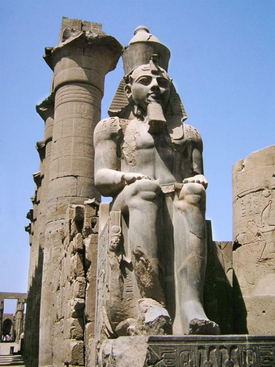 Collosal statue of Rameses II