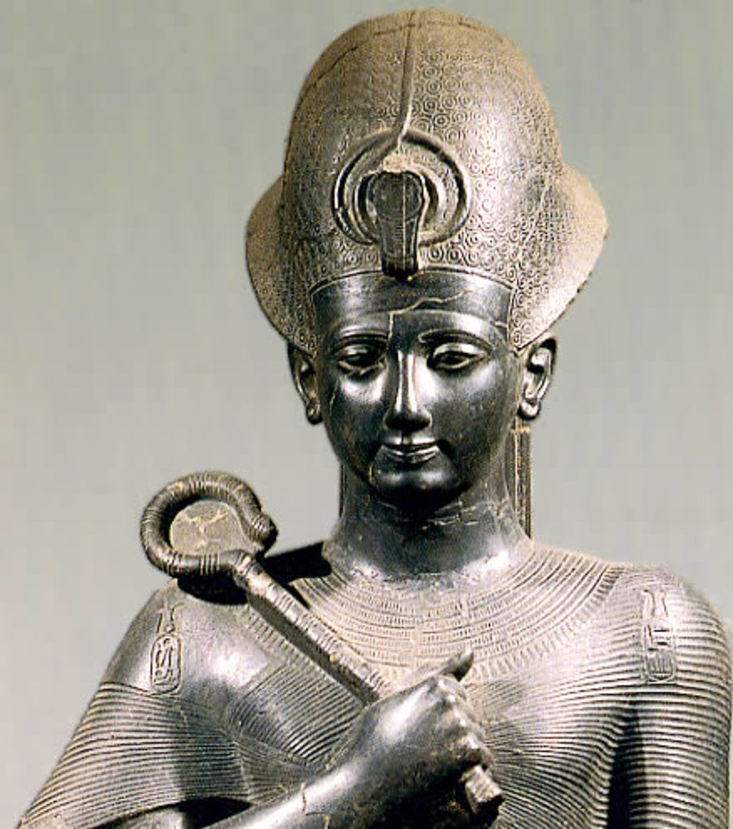 Ramesses II reclaimed Eypt's glory through war and peace treaties. His followers were unable to follow in his footsteps and the 10th Dynasty slipped into disputes and chaos