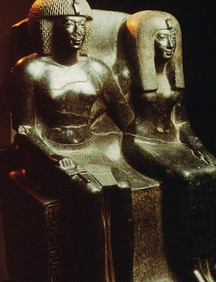 Famous stature of Thutmosis IV with his MOther Tiaa
