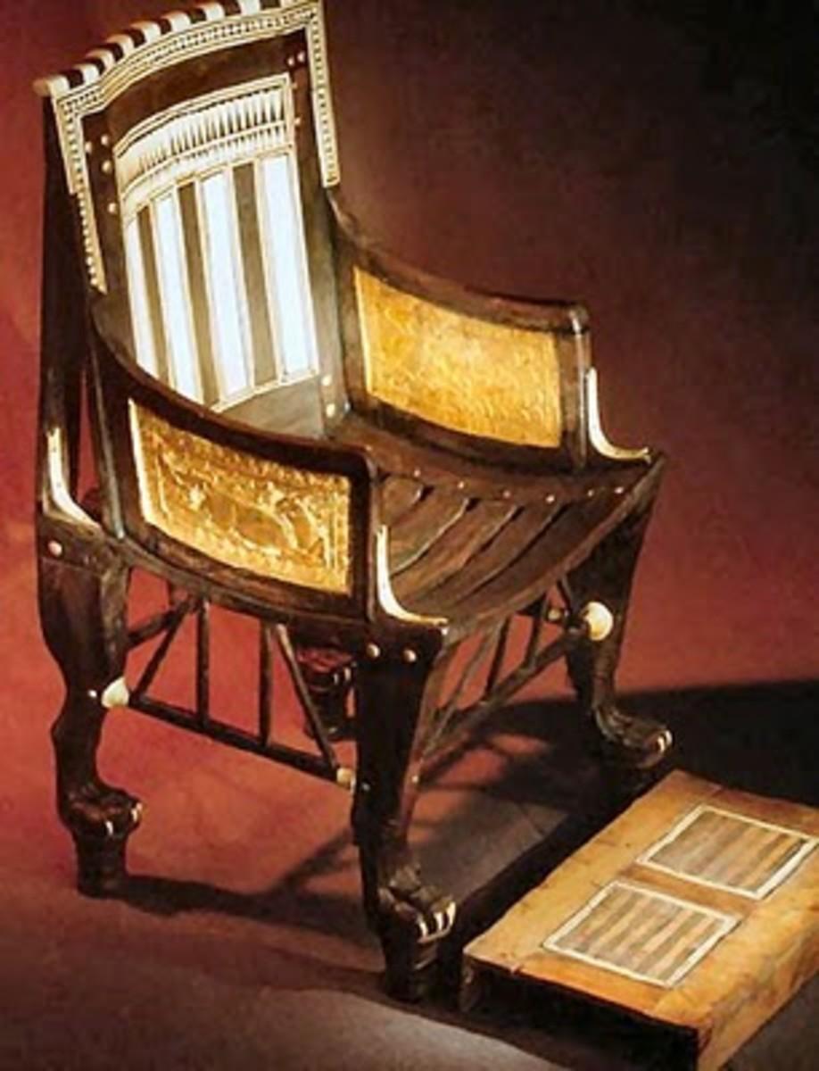 Tutankhamun's Child'schar with Footrest
