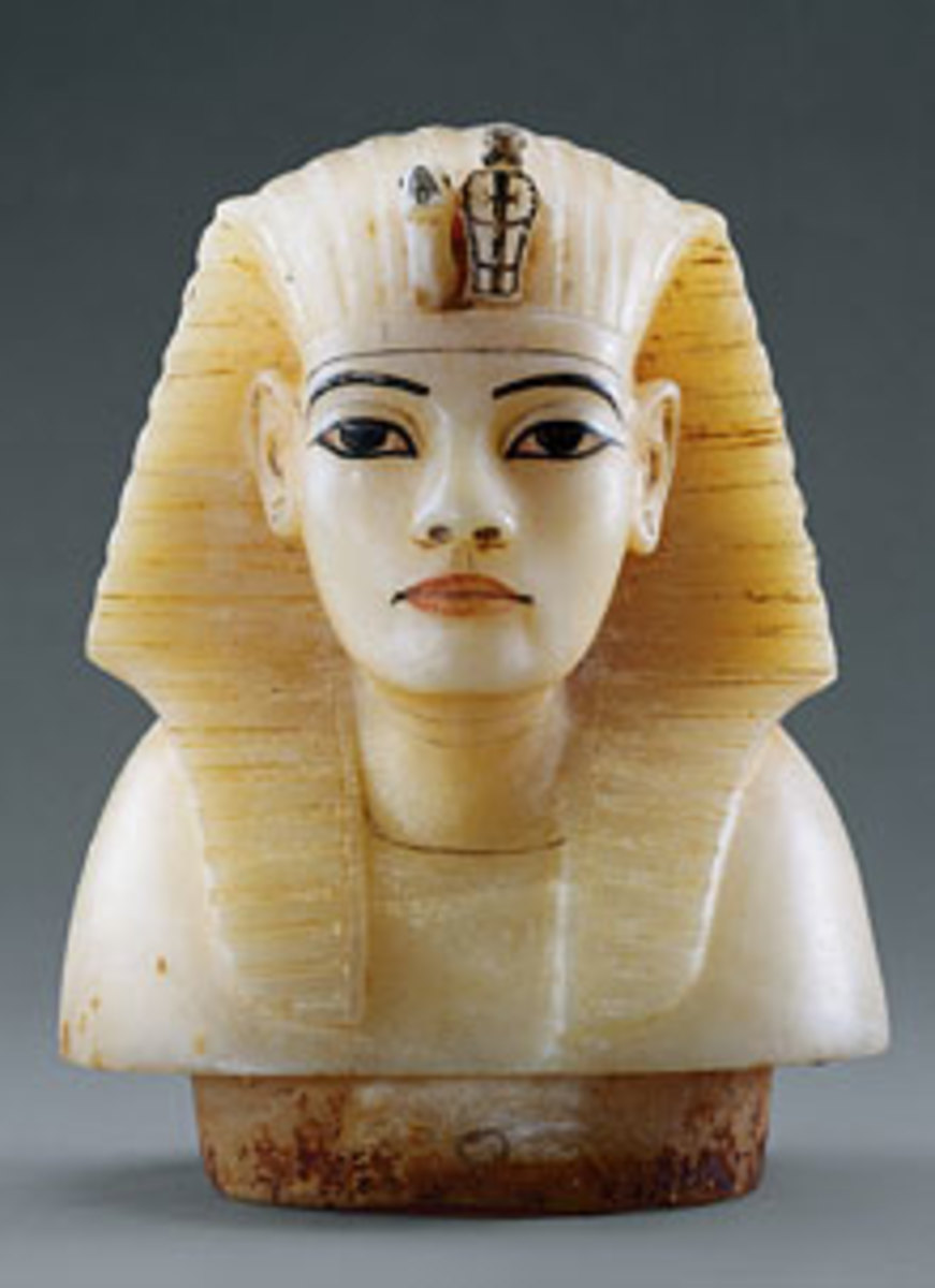 Canopic Stopper of Tutankhamun, it is of painted calcite