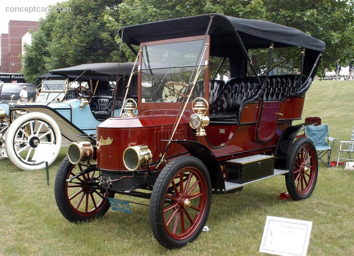 1908 Stanley Touring Car, similar to the model Hugh Callendar modified.  Image courtesy conceptcarz.com.