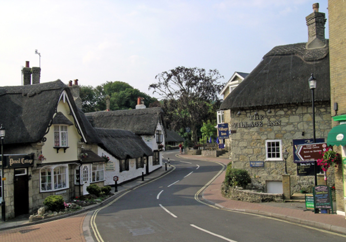 Shanklin's Old Village today.  Image courtesy Steven Muster and Wikimedia Commons.