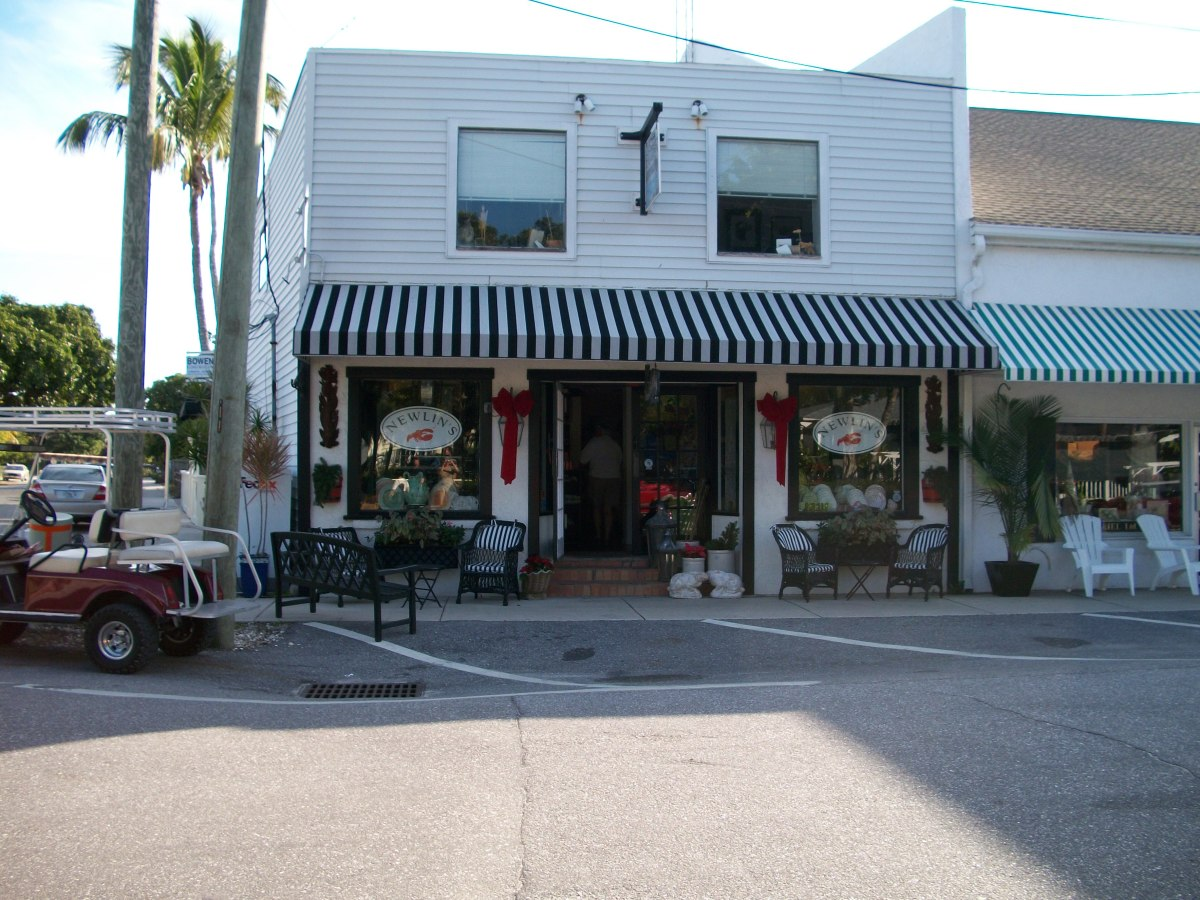 Boca Grande has preserved many of the older buildings.