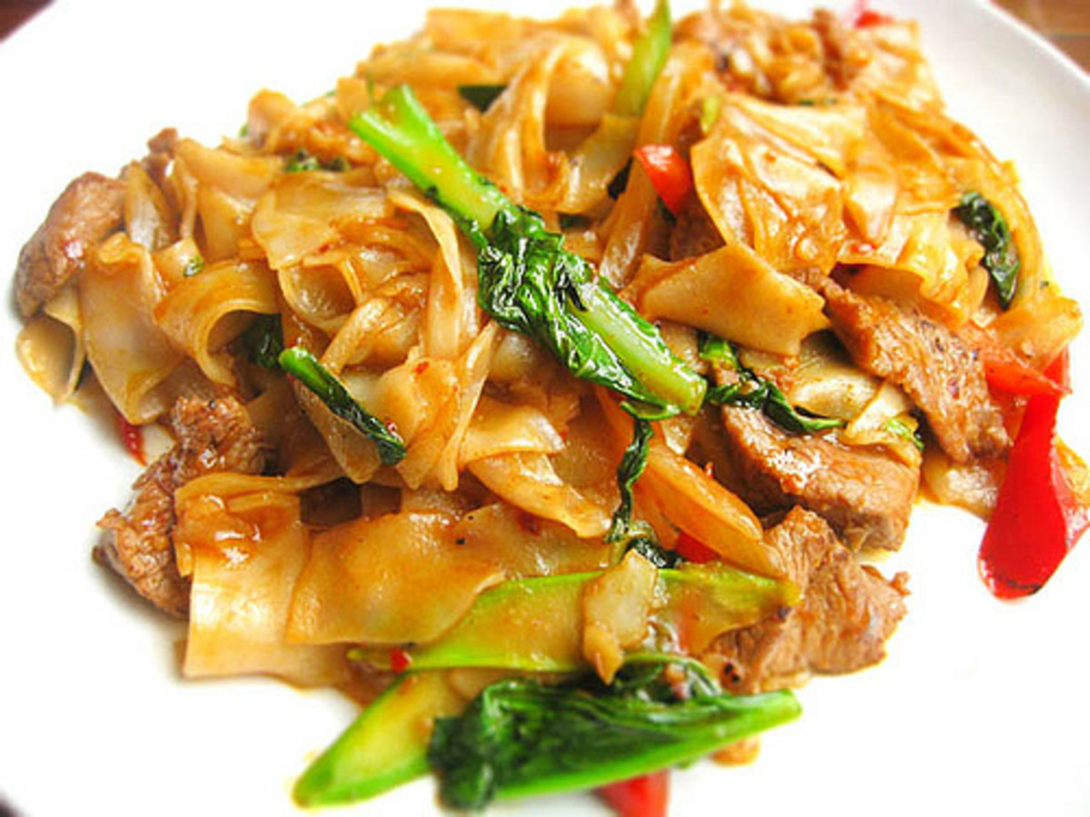Thai Stir Fried Noodles with Basil Recipe