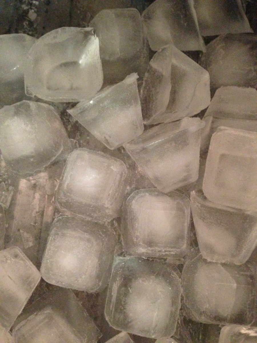 Ice can provide temporary relief by numbing the area.