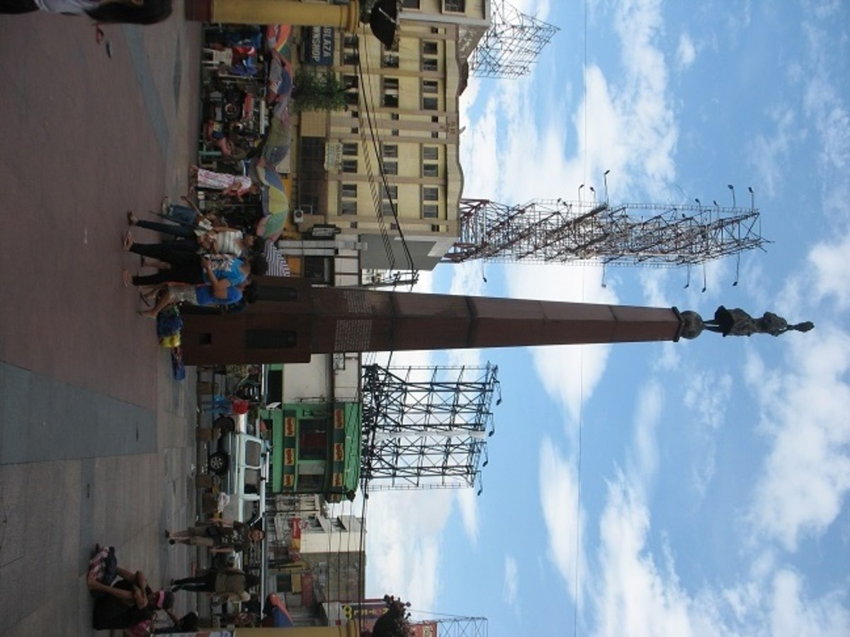 The Plaza Miranda marker is a familiar sight visible from the main street and church, but largely ignored by the locals