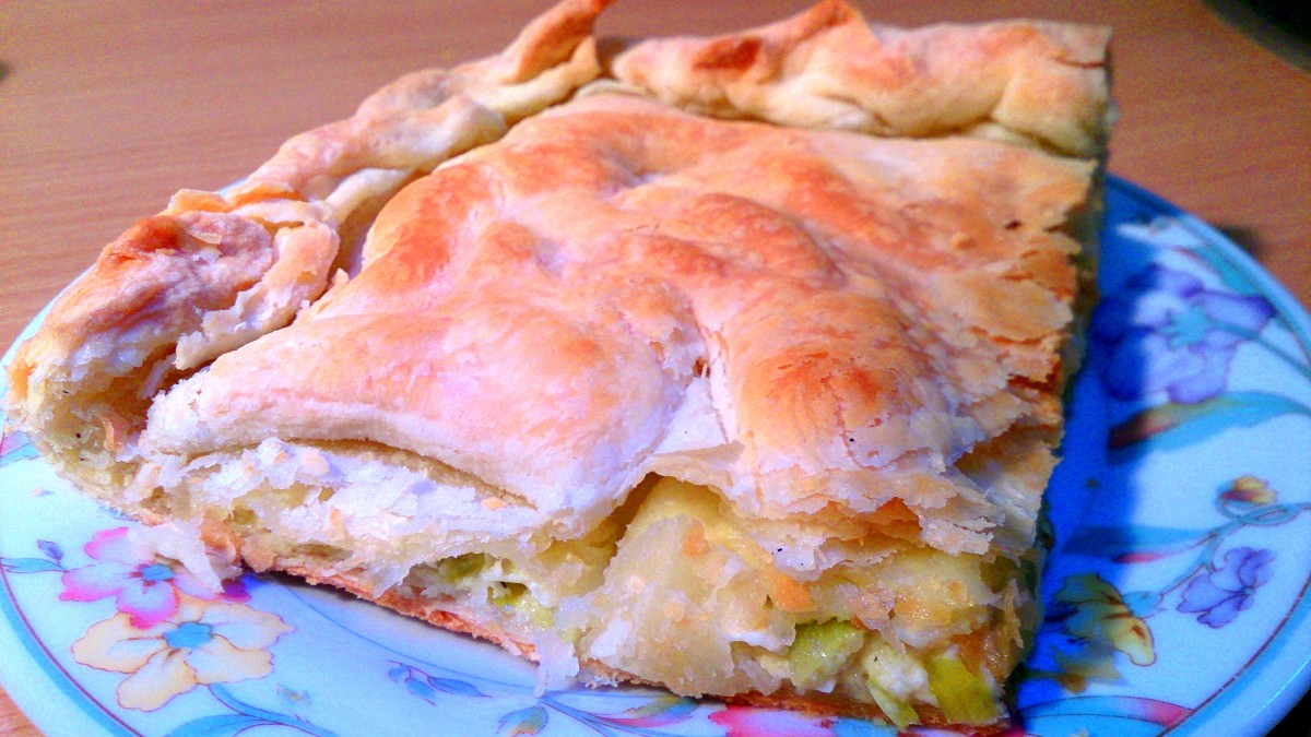 Prasopita - Traditional Greek Leek & Cheese Pie Recipe
