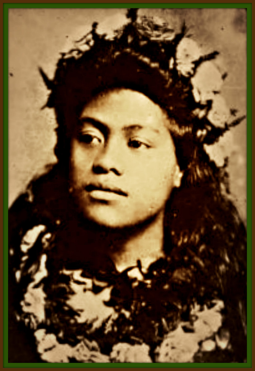 In the photo above is Kaikane Mahelona mother. He said his mother who was a Hawaiian native and a gifted Hawaii Hula story dance teacher was the inspiration for his bust.