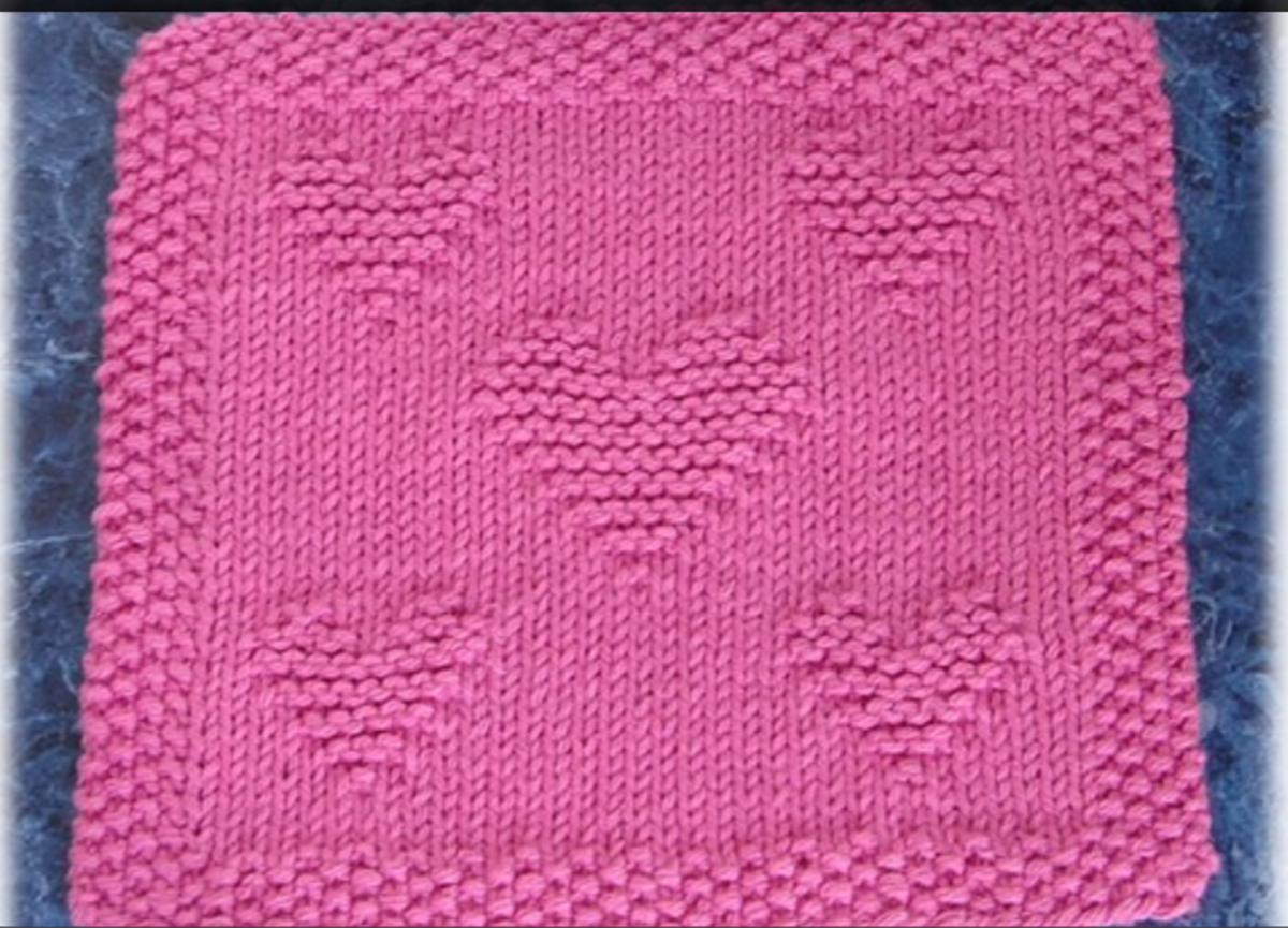 This may be most favorite of all of the free knitting patterns. I love the 5 hearts and how they are arranged. Beautiful!