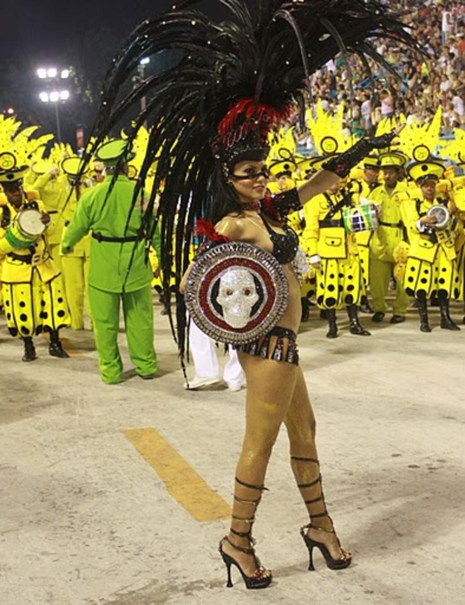 Fabia Borges at the 2009 Parade in Rio de Janeiro with Rocinha Samba-School.; foto by Alexandre Vidal - Foto BR