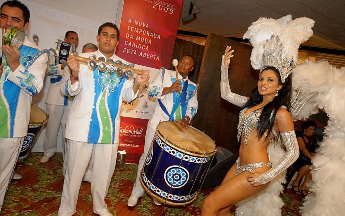Fabia Borges in a 2009 samba event Rocinha Samba-School; foto by Alexandre Vidal - Foto BR