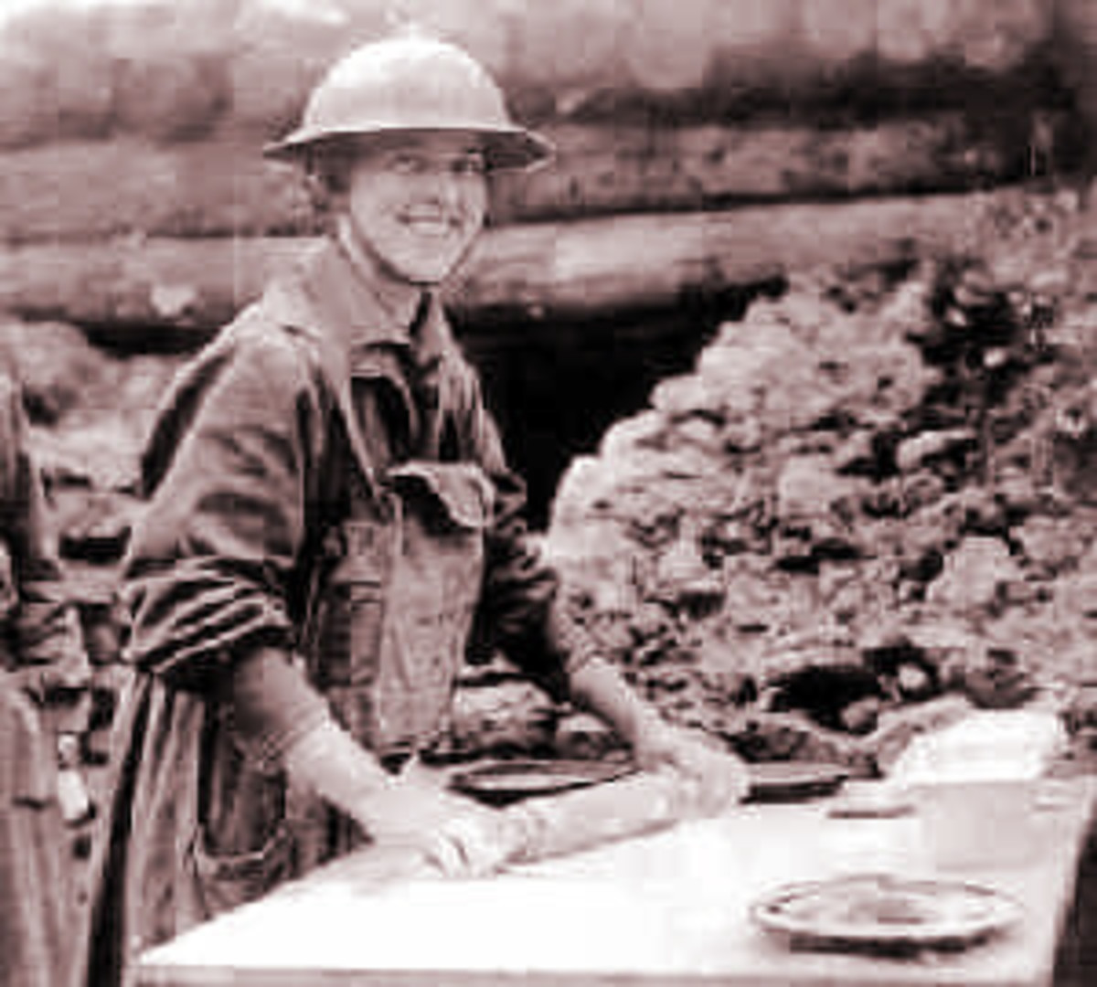 Lassies cooking doughnuts WWI