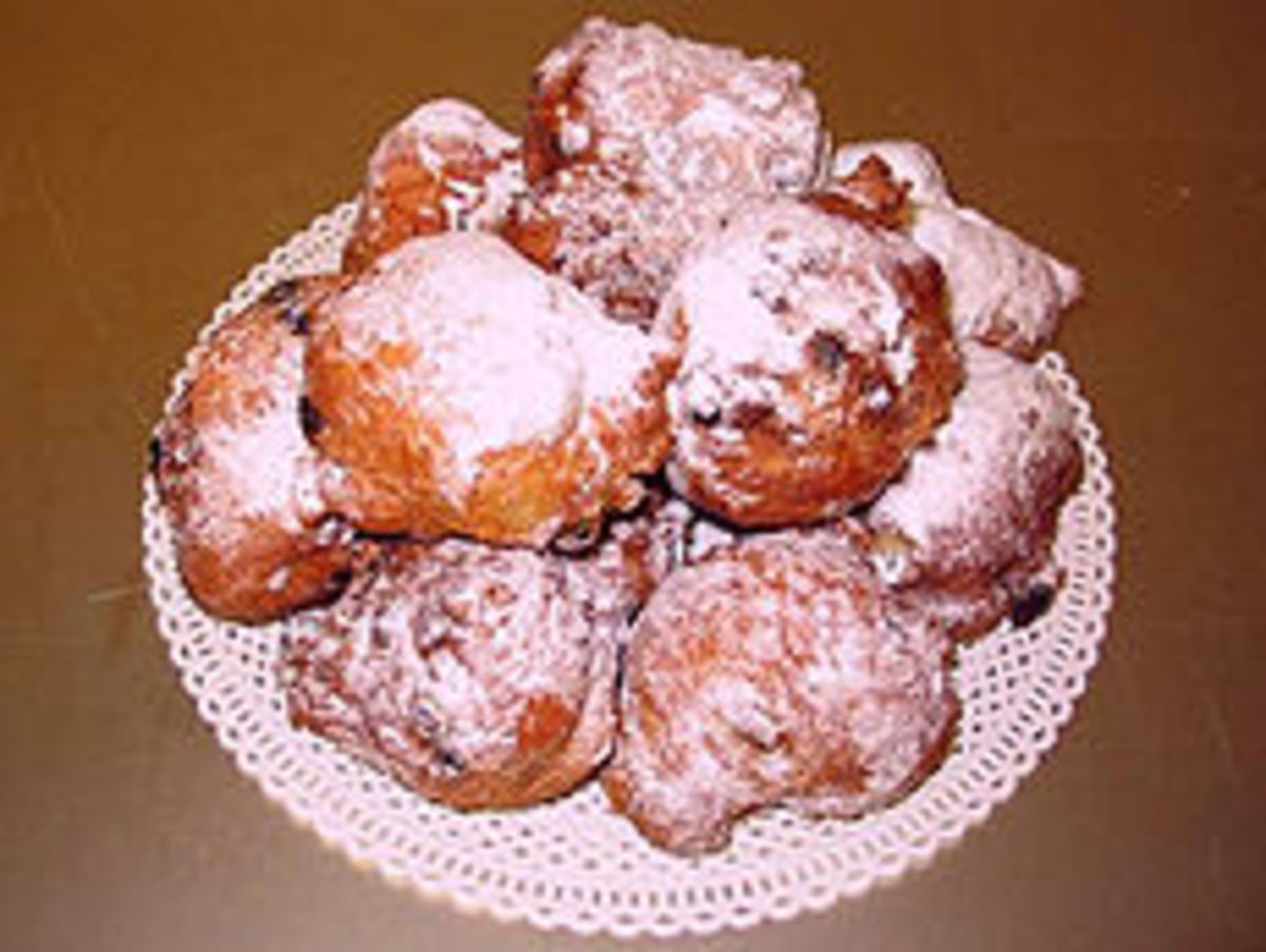 Dutch olie-koecken (oily cakes)