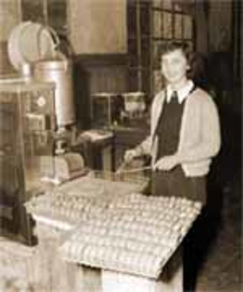 Red Cross Doughnut Dollies WWII