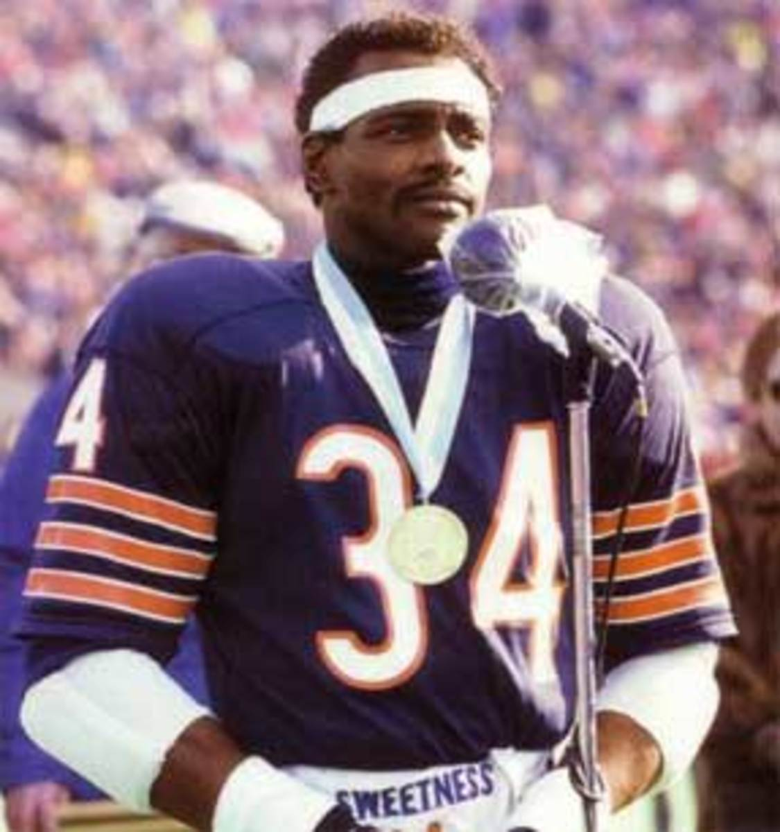 "Walter ""Sweetness"" Paytone addressing the fans at Soldier Field Stadium"