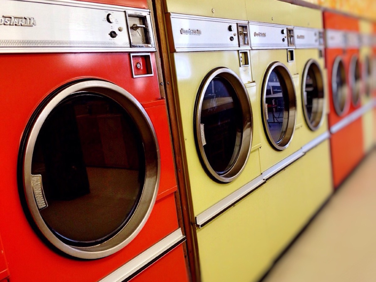 How to Wash Clothes Properly: Ten Tips for Beginners