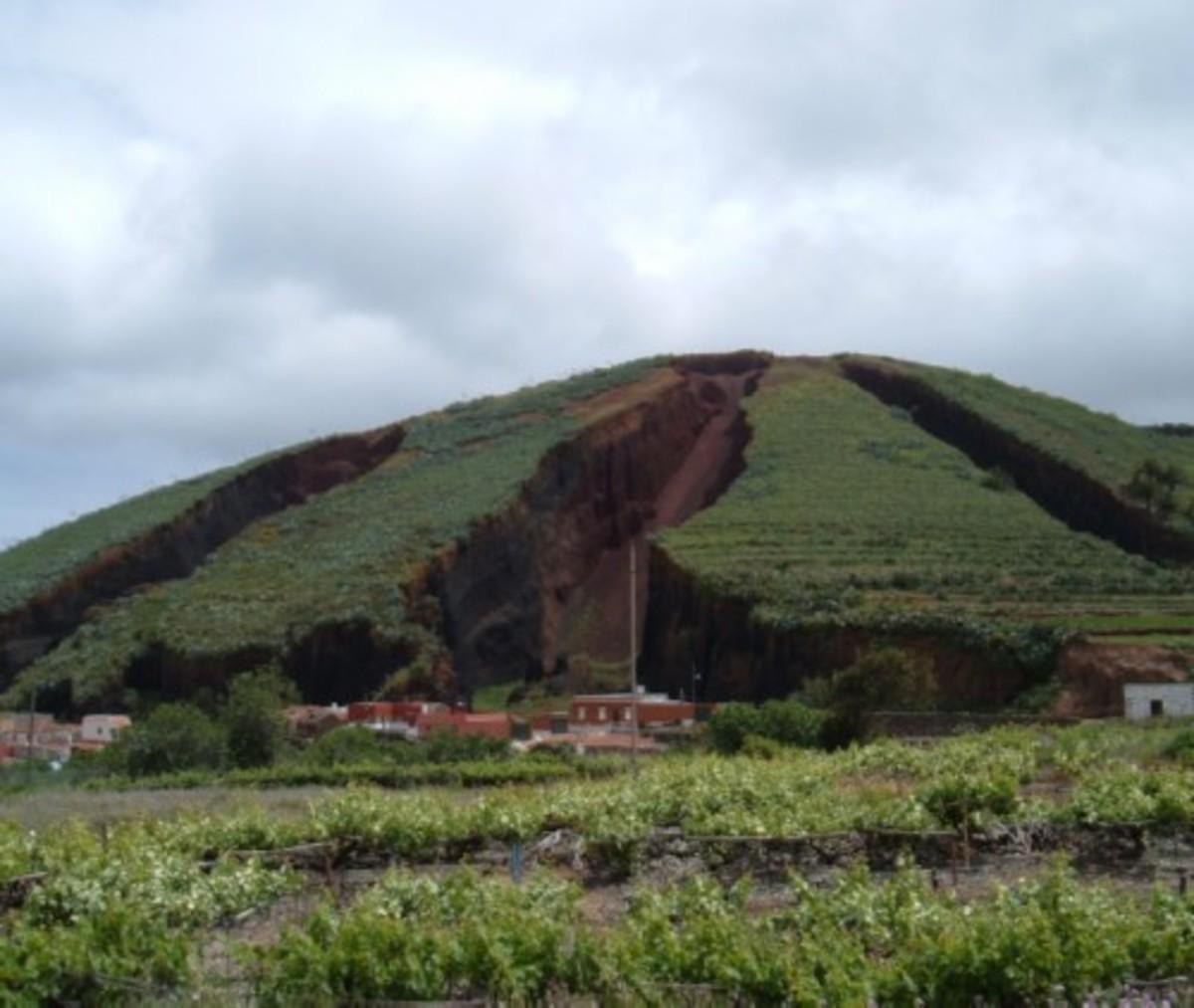 El Palmar and mountain