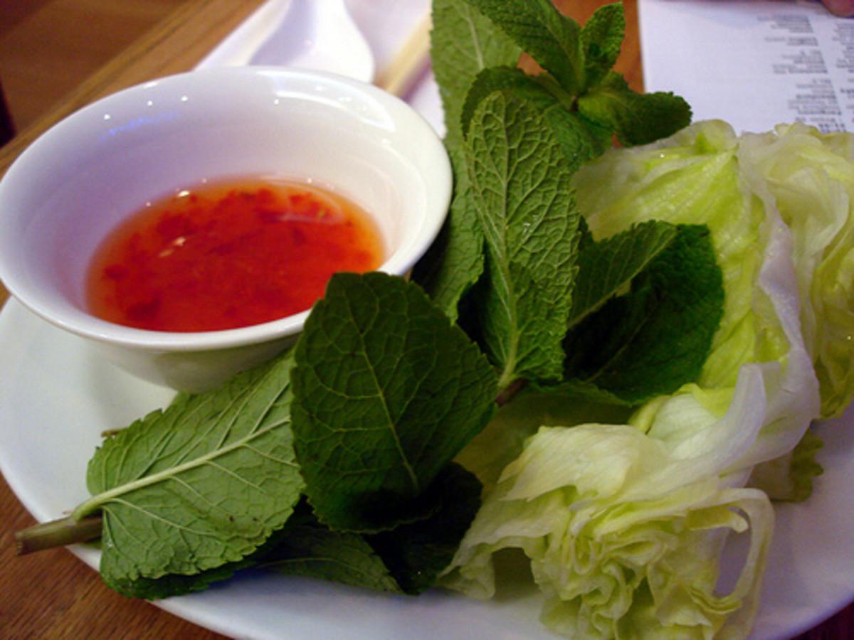 Vietnamese Meatball Wraps (Nam Neung)