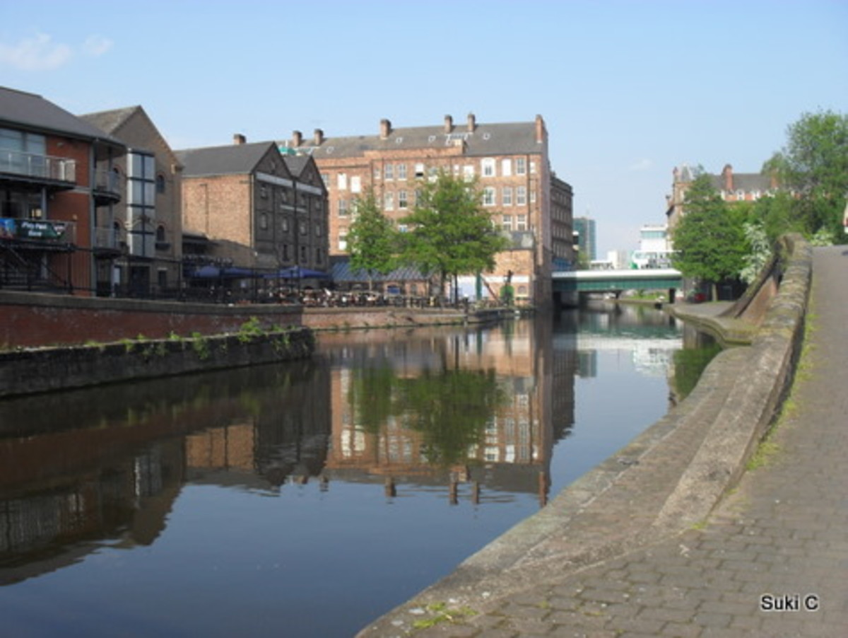 How about a canal-side stroll to walk off lunch?