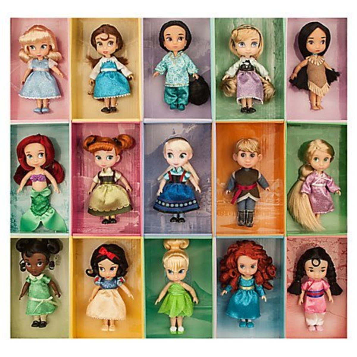 Mini doll collection includes Cinderella, Belle, Jasmine, Aurora, Pocahontas, Ariel, Anna, Elsa, Kristoff, Rapunzel, Tiana, Snow White, Tinkerbell, Merida and Mulan.