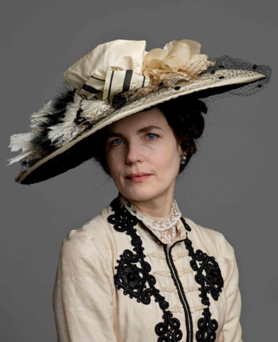 Cora Crawley played by Elizabeth McGovern