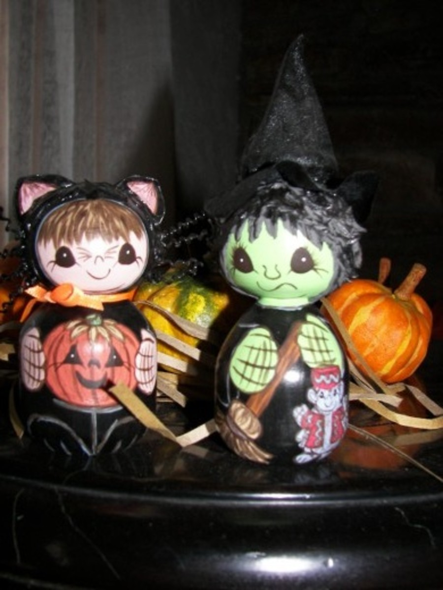 Homemade Halloween Decorations - Miniature Cat and Witch