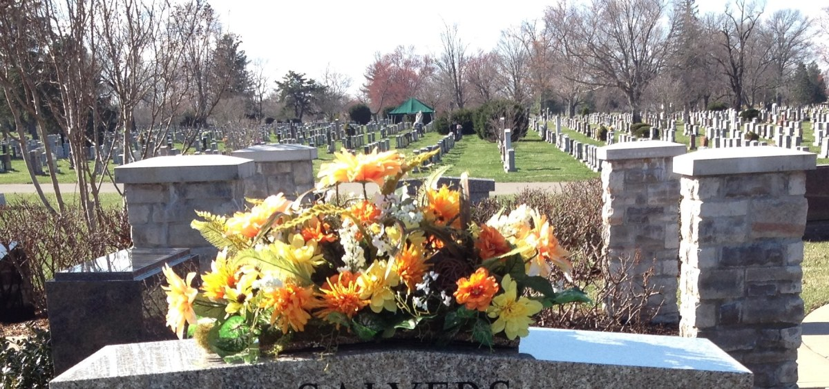 how-to-make-a-gravestone-flower-arrangement-the-saddle