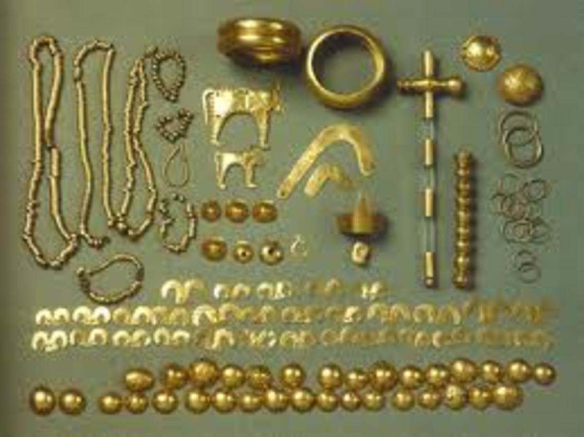 Gold objects of desire