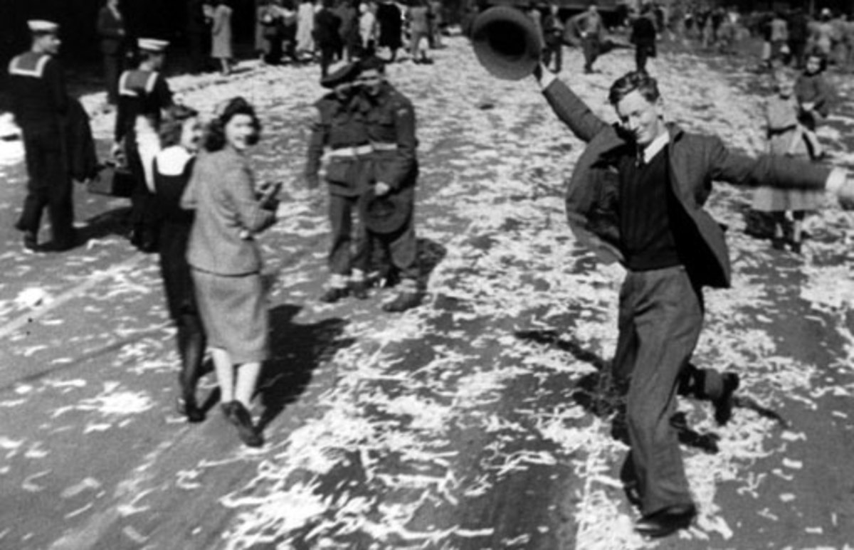 Dancing on the streets of Australia at end of WW2