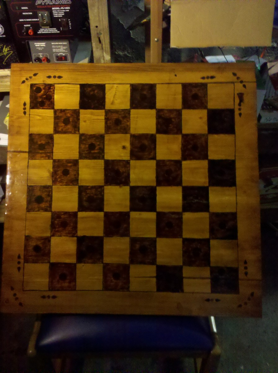 How To Make A Chess Board: Guide To Drawing, Scoring and Wood Burning Techniques To Create Homemade Chess Checkers Board