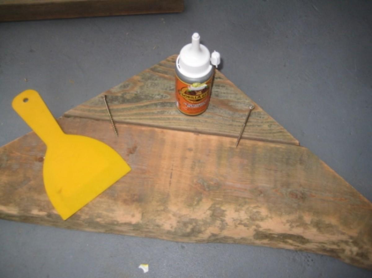 Detail of shelf board construction