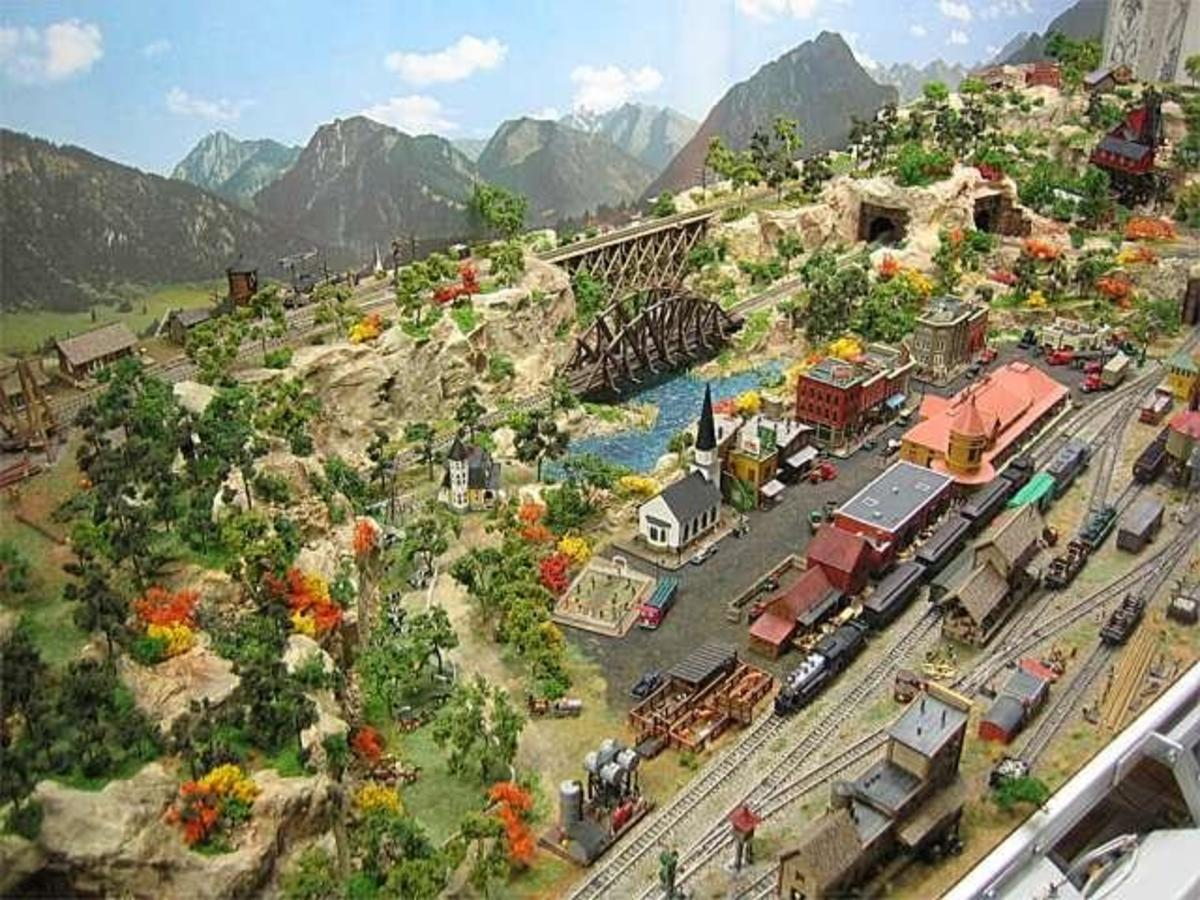 model-train-resource-z-scale-track-plans-to-inspire-your-own-layout-designs