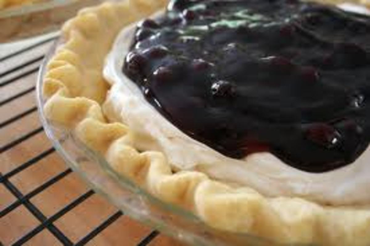 Easy Blueberry Banana Cream Cheese Pie