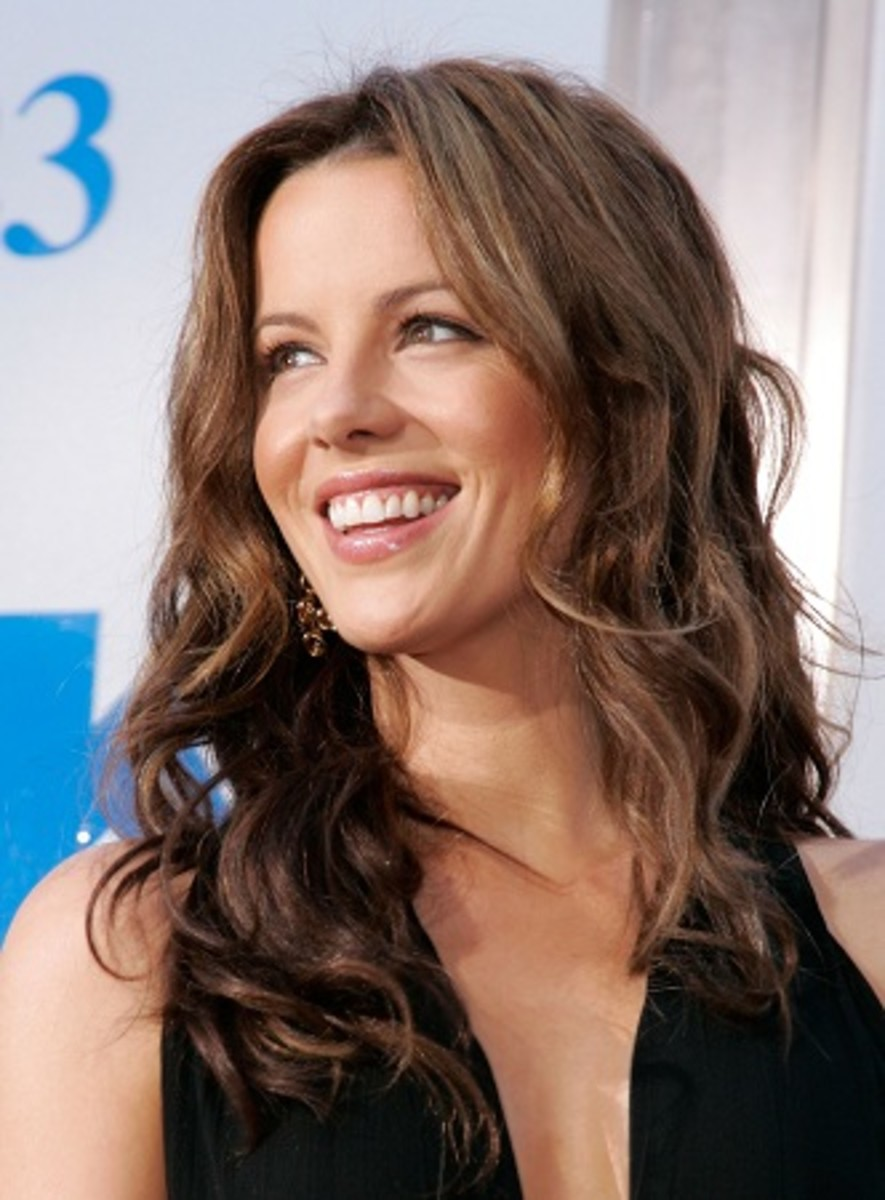 Star of Underworld movies, Kate Beckinsale, says that yoga is her secret to anti-aging.
