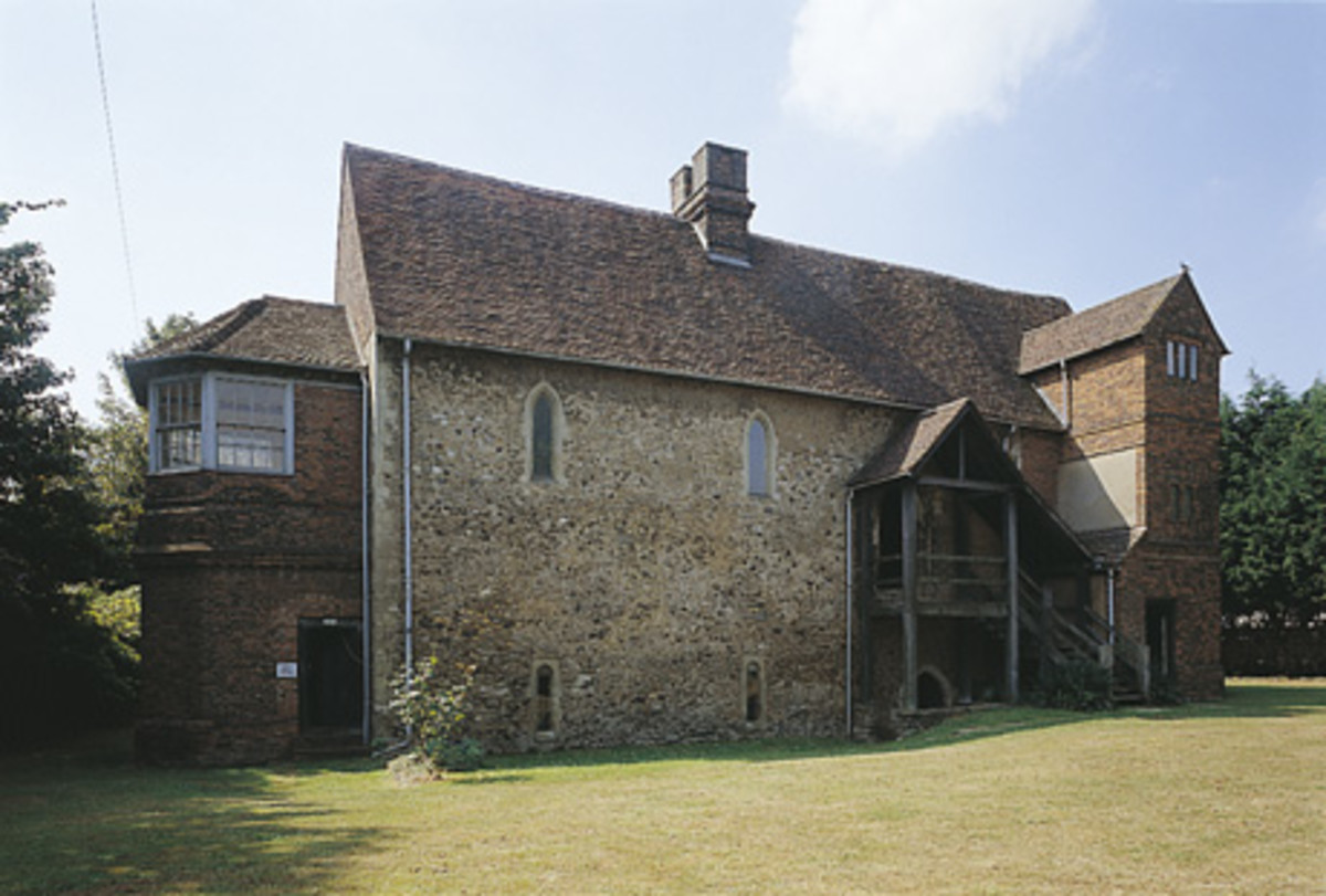 'Temple Manor' in Strood, England was given to the Order in 1159 by Henry II.