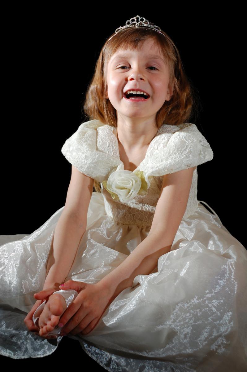 Beauty pageants can be categorized as glitz pageants, low glitz pageants, or natural pageants.