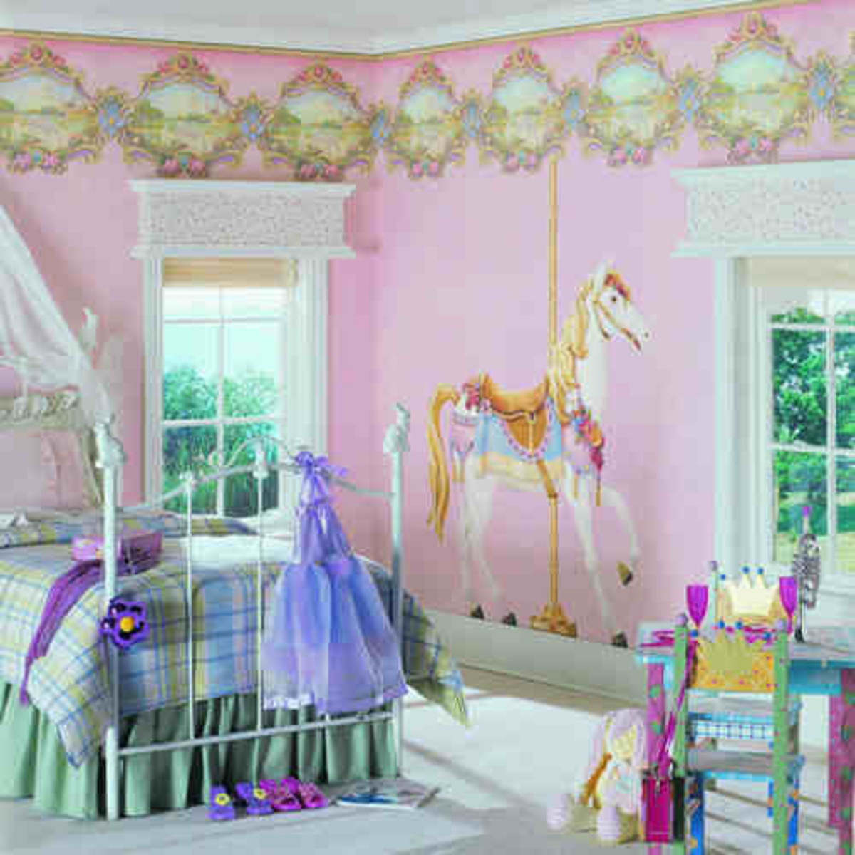 Decorate with pre-pasted or removeable murals