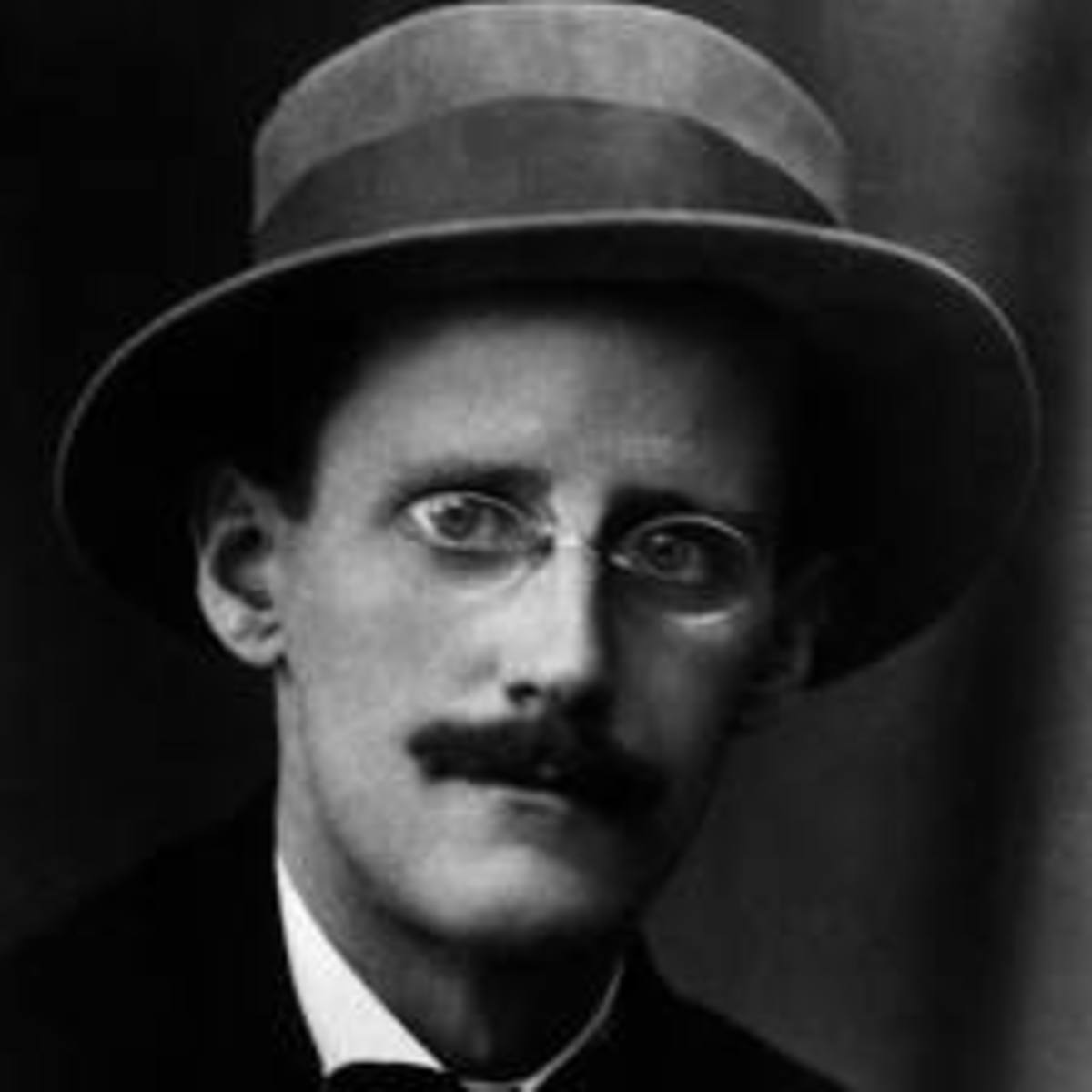 "A review and analysis of ""Araby"", a short story contained in the collection ""The Dubliners"" by James Joyce"