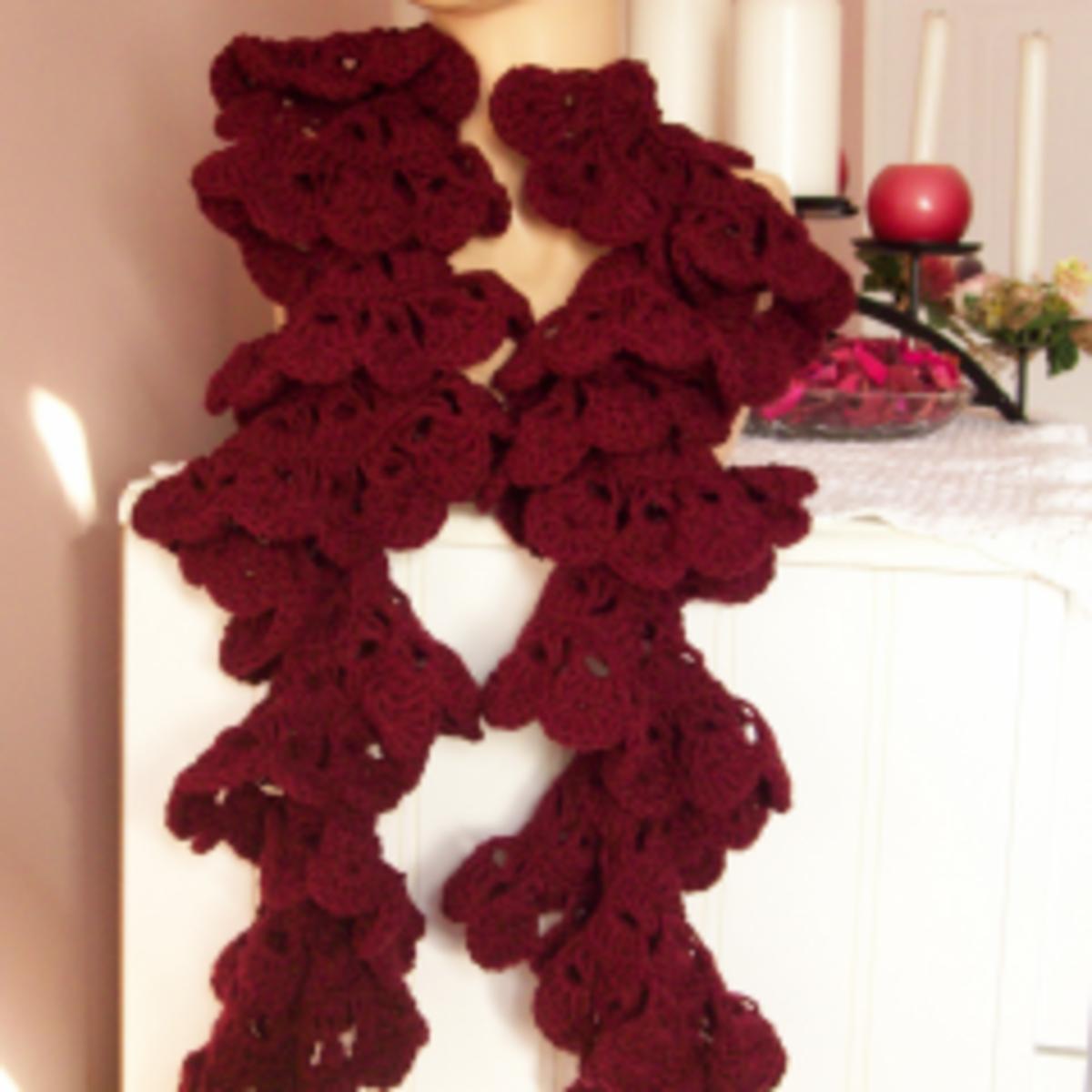 Broomstick Lace Ruffled Scarf - Free Crochet Pattern
