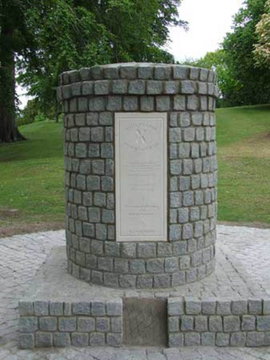 The Falkirk Cairn, was erected in July 2007 to commemorate those who lost their lives at Falkirk.