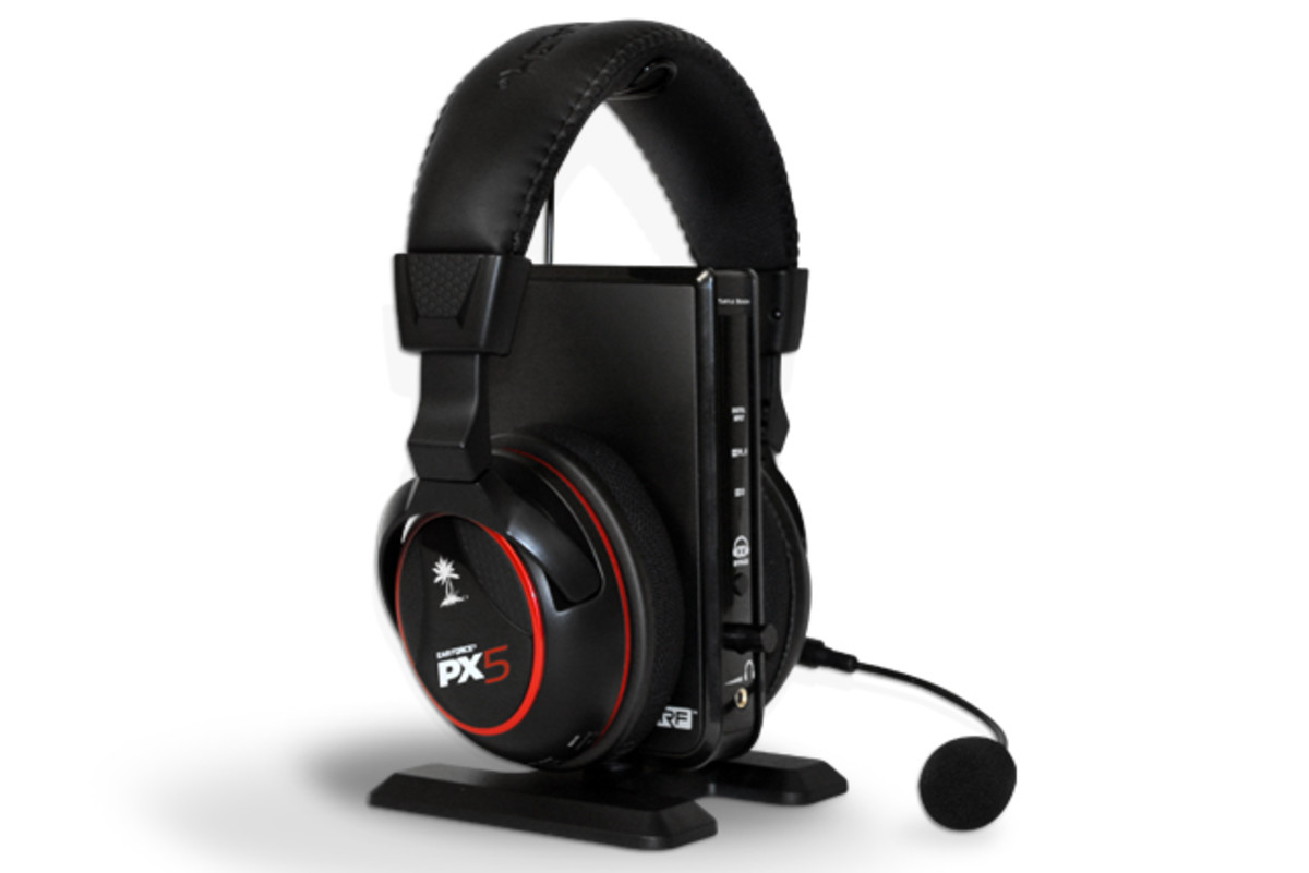 The Turtle Beach Ear Force PX5 wireless headset works with the PS3, Xbox 360 and a computer.